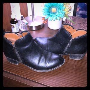 Black Bongo Boots